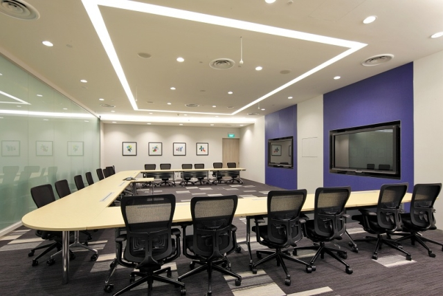 systems_services_briefingcenter_singapore_3_640x428